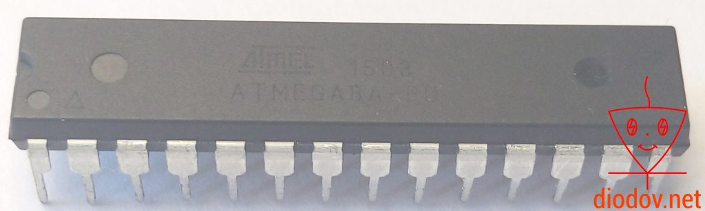 Микроконтроллер ATmega8 в DIP корпусе