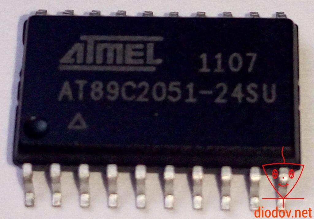 Микроконтроллер AT89C2051 в SOIC корпусе