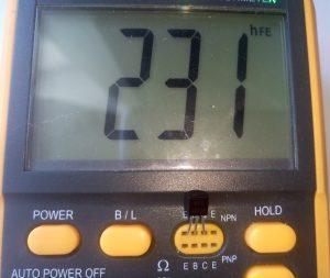 Коэффициент усиления по току биполярного транзистора 2222A