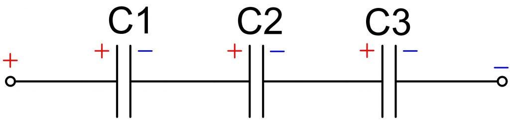Схема последовательного соединения электролитических конденсаторов